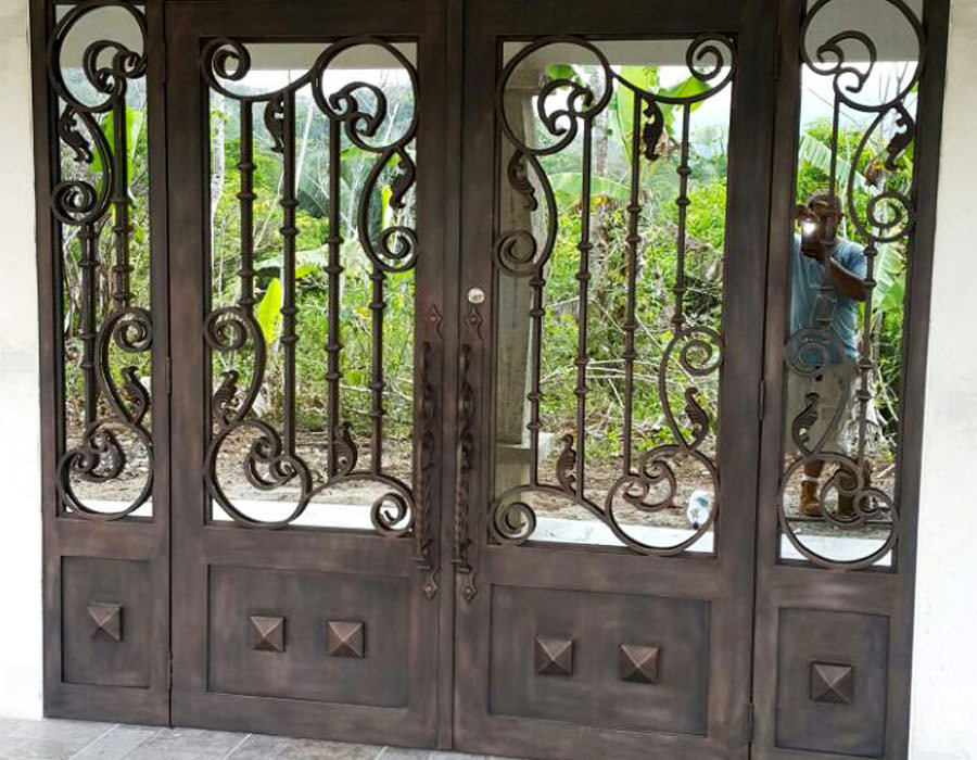 Diseños en metal de hierro labrado en Costa Rica